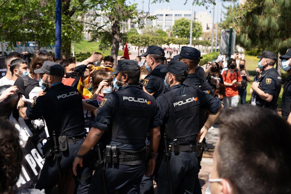 Protestas por la visita del Rey de la universidad de Castellón
